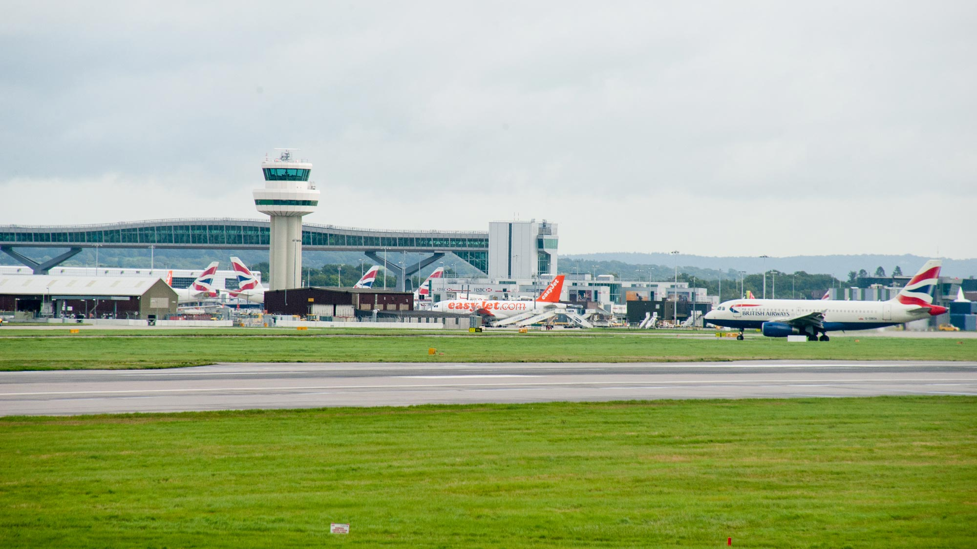 meet and greet parking at london gatwick