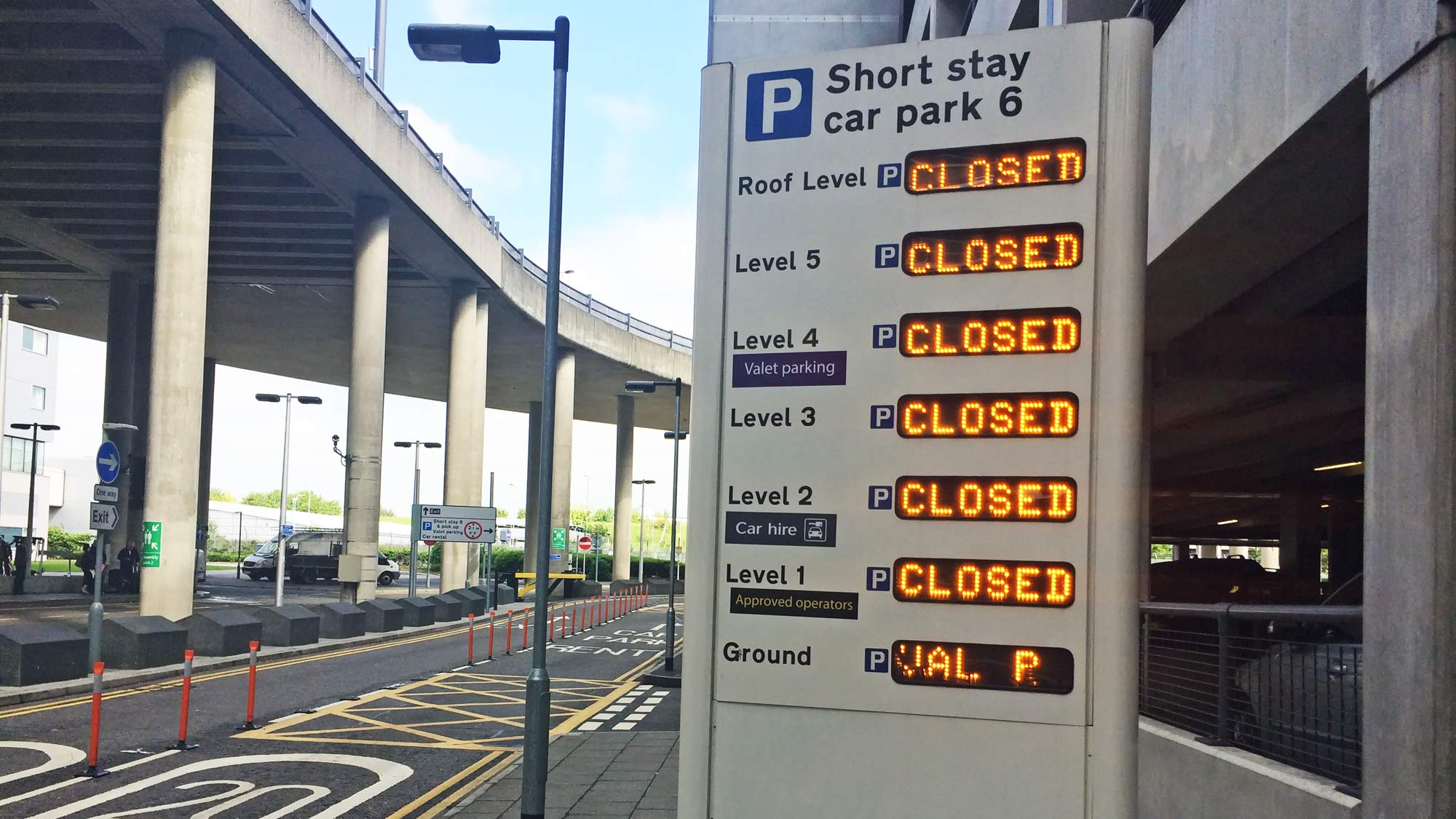 Forecourt delays north terminal gatwick i love meet and greet is warning customers of potential delays at the gatwick airports north terminal forecourt and suggesting customers allow more time m4hsunfo